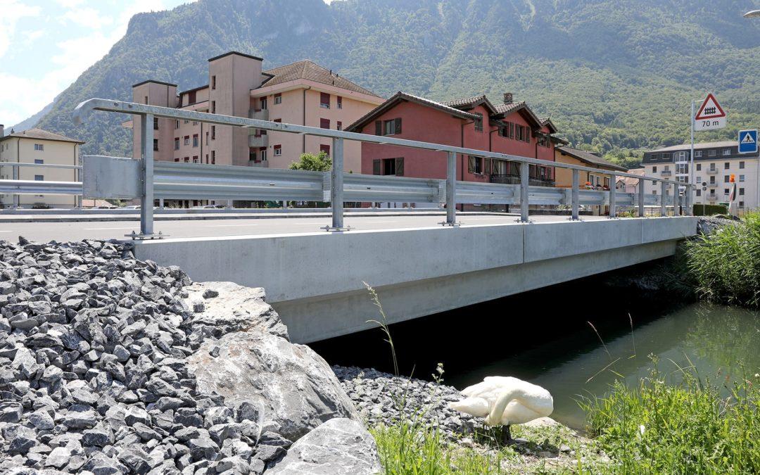 Pont sur le canal Stockalper au Bouveret